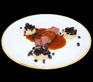 Onglet vom heimischen Rind, Lagreinsauce, Pastinakenpüree und Urkarotten (4 portionen)